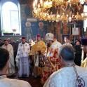 Duminica, 08 decembrie 2013, in parohia noastra, Sfanta Liturghie a fost oficiata de PS AMBROZIE