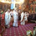 Slujire arhiereasca in Biserica Bolintin Deal 1